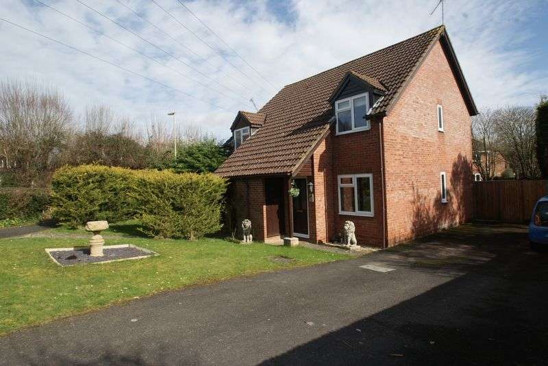 2 Bedrooms Semi Detached House for sale in Lark Close, Andover