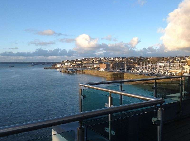 2 Bedrooms Property for sale in Smoke House Quay, Pembrokeshire