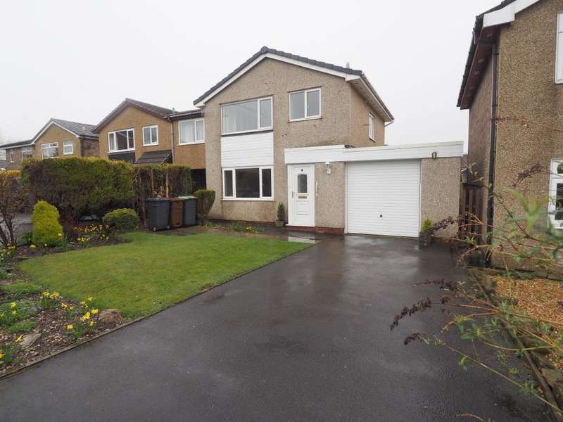 3 Bedrooms Detached House for sale in Knowle Avenue, Chapel-en-le-Frith, High Peak, Derbyshire, SK23 0NB