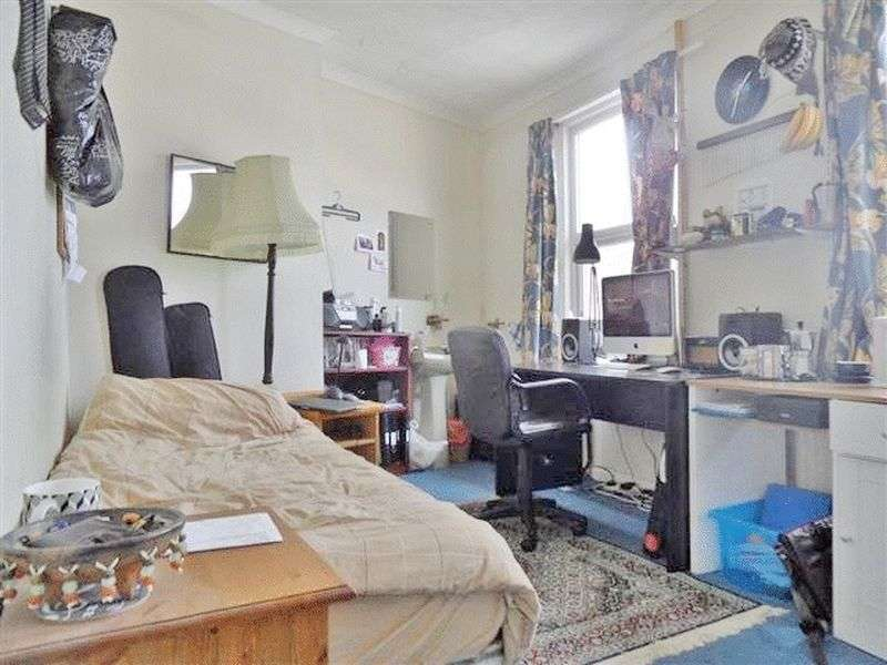 4 Bedrooms Terraced House for rent in Bentham Road, Brighton