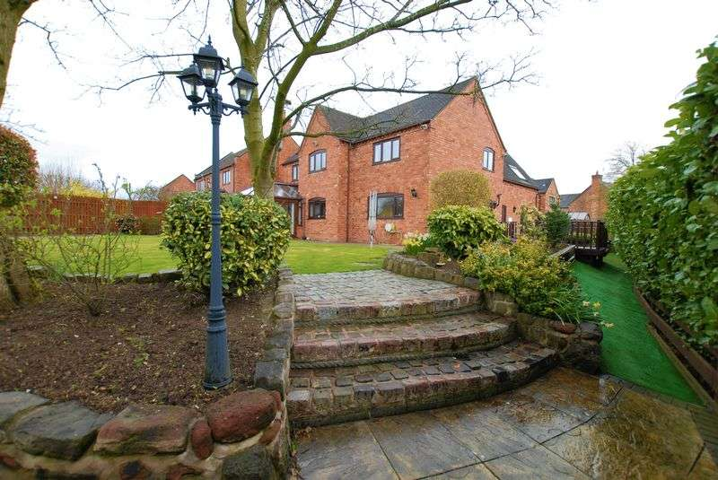 5 Bedrooms Detached House for sale in Green Park, Checkley