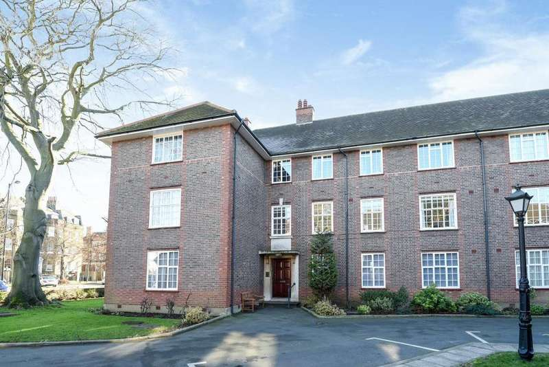 3 Bedrooms Flat for sale in The Green, Southgate, N14