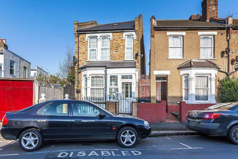 3 Bedrooms Detached House for sale in Short Road, London, Greater London. E11