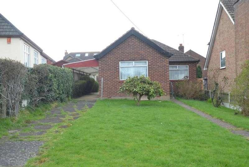 3 Bedrooms Detached Bungalow for sale in Grange Road, Billericay, Essex, CM11
