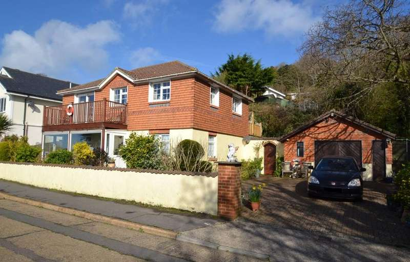 3 Bedrooms Detached House for sale in Castle Close, Ventnor