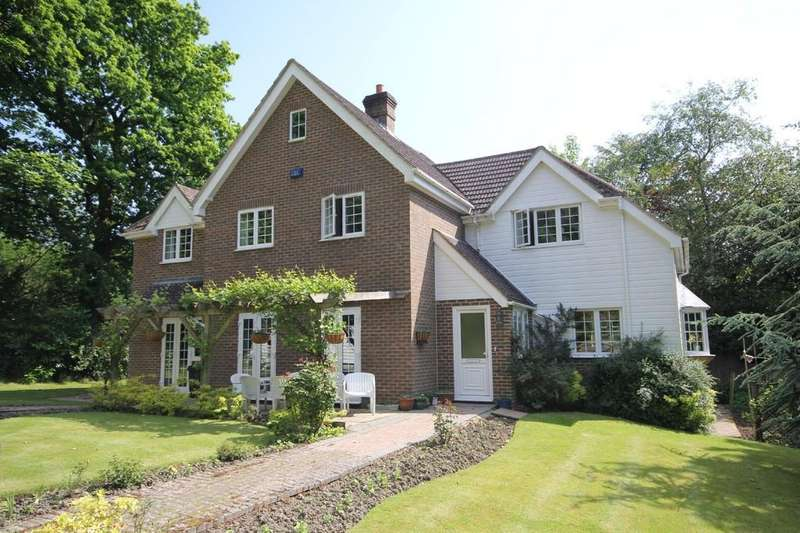 5 Bedrooms Detached House for sale in Harlequin Lane, Crowborough