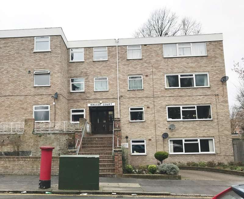 1 Bedroom Flat for sale in Walcot Court, Ashburton Road, Croydon, Surrey, CR0 6AP