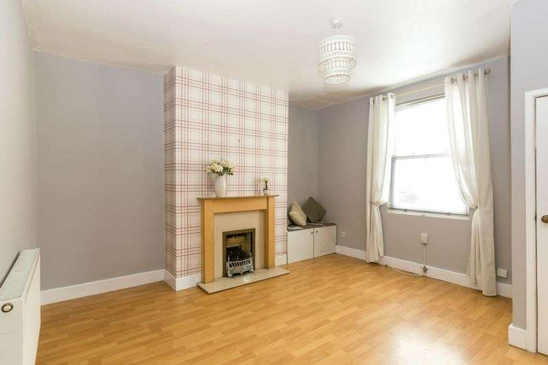 3 Bedrooms Terraced House for sale in Gidlow Lane, Springfield, WN6 7DP