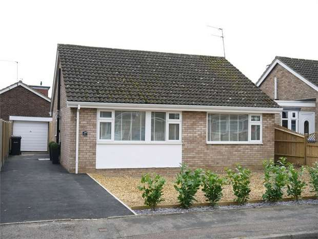 3 Bedrooms Detached Bungalow for sale in Fleetwood Gardens, Market Harborough, Leicestershire