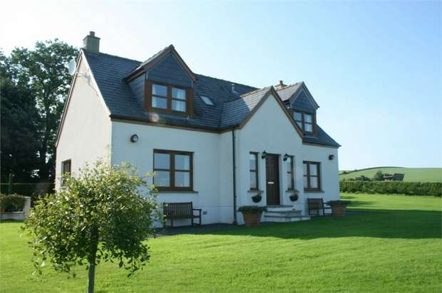 3 Bedrooms Detached House for sale in Wigtown Road, Sorbie, Newton Stewart, Dumfries and Galloway
