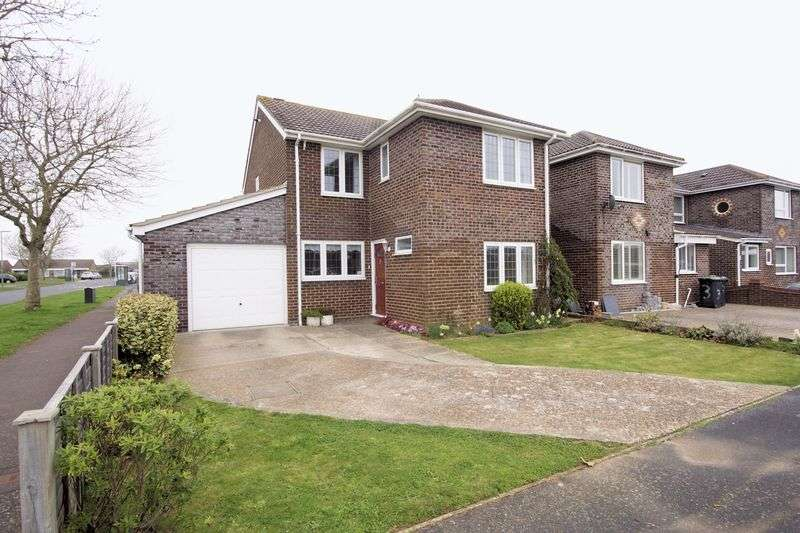 3 Bedrooms Detached House for sale in Smeeton Road, Lee-On-The-Solent, PO13