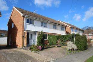 3 Bedrooms Terraced House for sale in Rhodes Way, Tilgate, Crawley, West Sussex