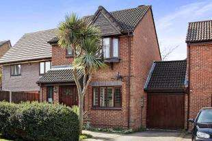 3 Bedrooms Link Detached House for sale in Flag Close, Shirley, Croydon, Surrey