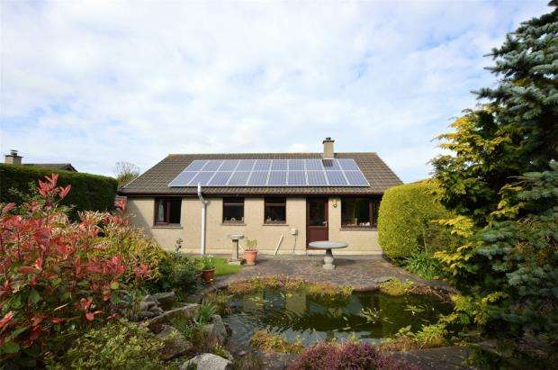 3 Bedrooms Detached Bungalow for sale in Roseland Park, Camborne, Cornwall
