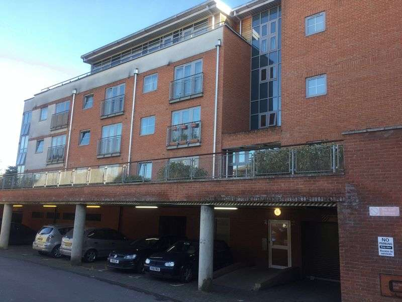 2 Bedrooms Flat for sale in Windmill Road, Slough