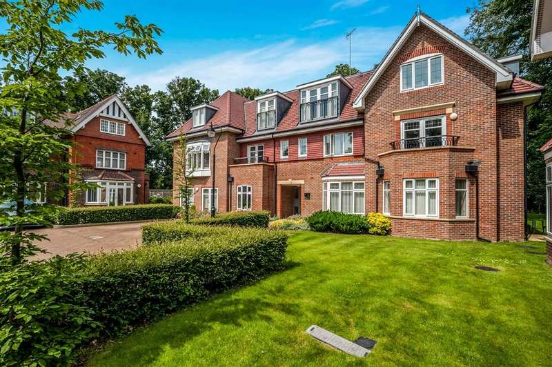 2 Bedrooms Flat for sale in Harmonia Court, Nascot Wood Road, Watford, Hertfordshire, WD17