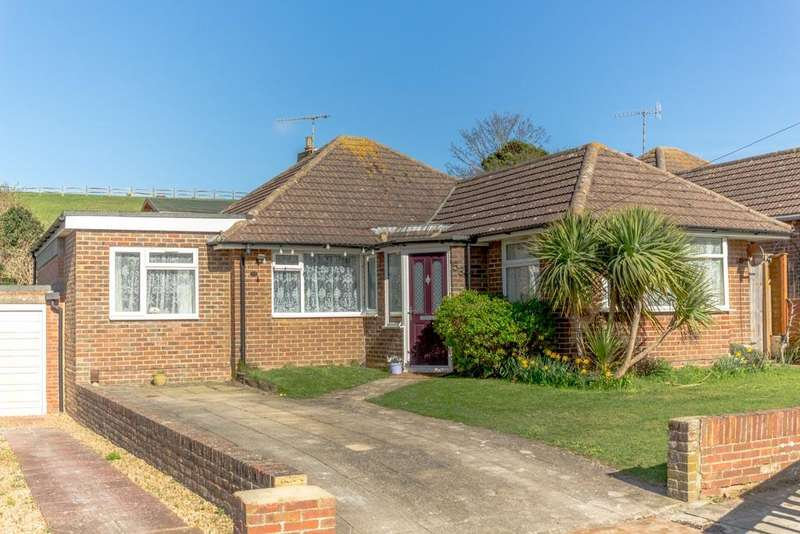 3 Bedrooms Bungalow for sale in Coombe Vale, Saltdean BN2