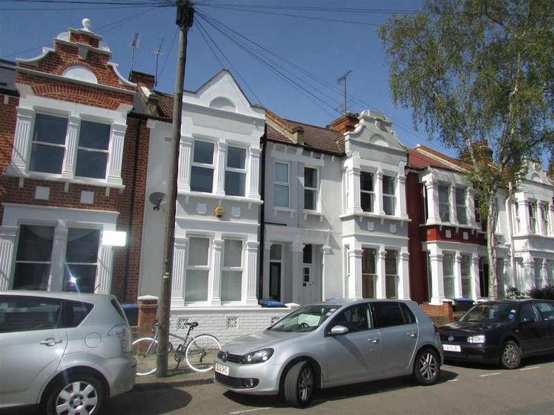 3 Bedrooms Flat for sale in Charteris Road, Queens Park