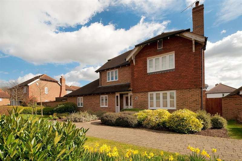 4 Bedrooms Detached House for sale in Emerald Walk, Kings Hill, ME19 4FY