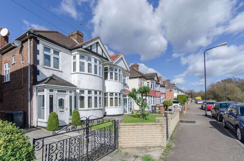 3 Bedrooms Semi Detached House for sale in Forest Rise, Walthamstow, E17