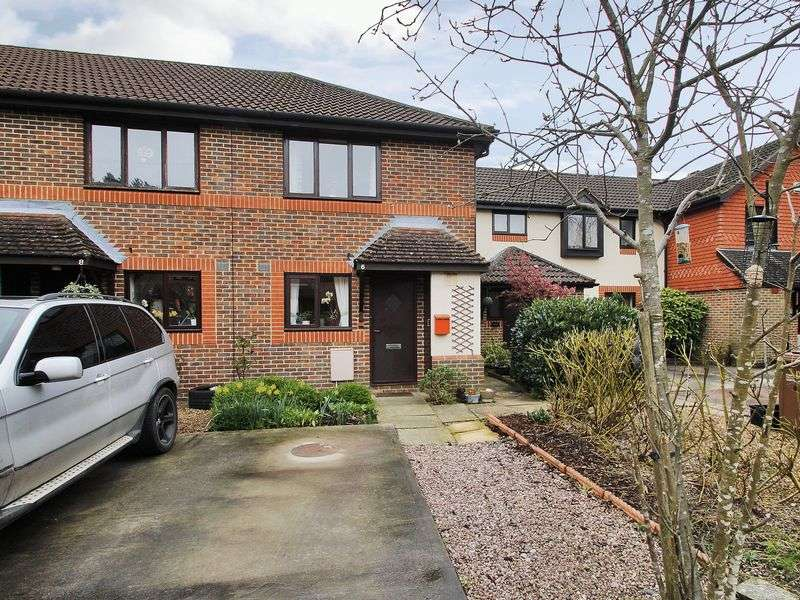 2 Bedrooms House for sale in Woodlands, Horley, Surrey