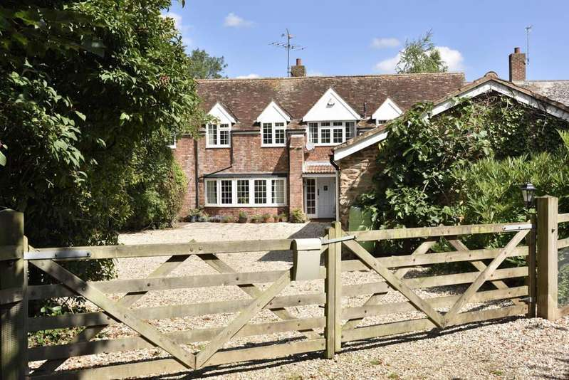 4 Bedrooms Semi Detached House for sale in Cheddon Fitzpaine, Taunton