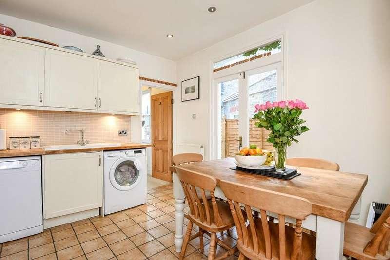 2 Bedrooms Maisonette Flat for sale in Penwith Road, Earlsfield, SW18