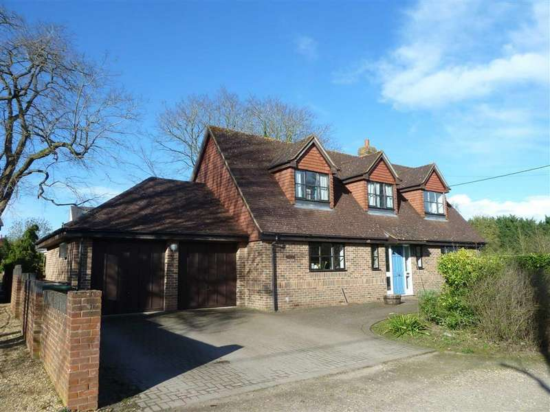 4 Bedrooms Detached House for sale in Rosebery Road, Tokers Green, Tokers Green Reading