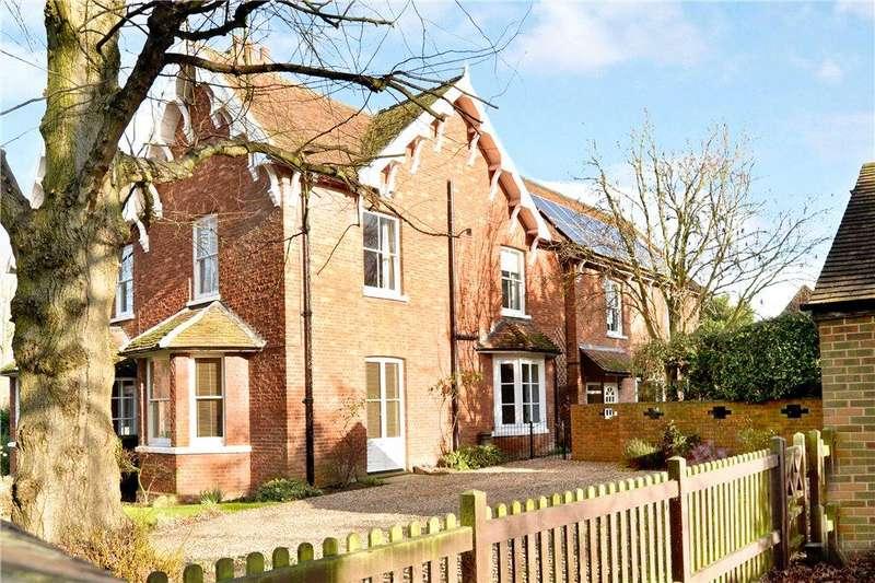4 Bedrooms Unique Property for sale in Manor House, Broughton Village, Milton Keynes, Buckinghamshire