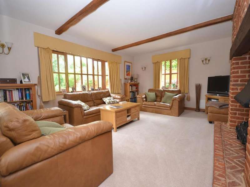 5 Bedrooms Detached House for sale in St. Edmunds Lane, Dunmow, Essex, CM6