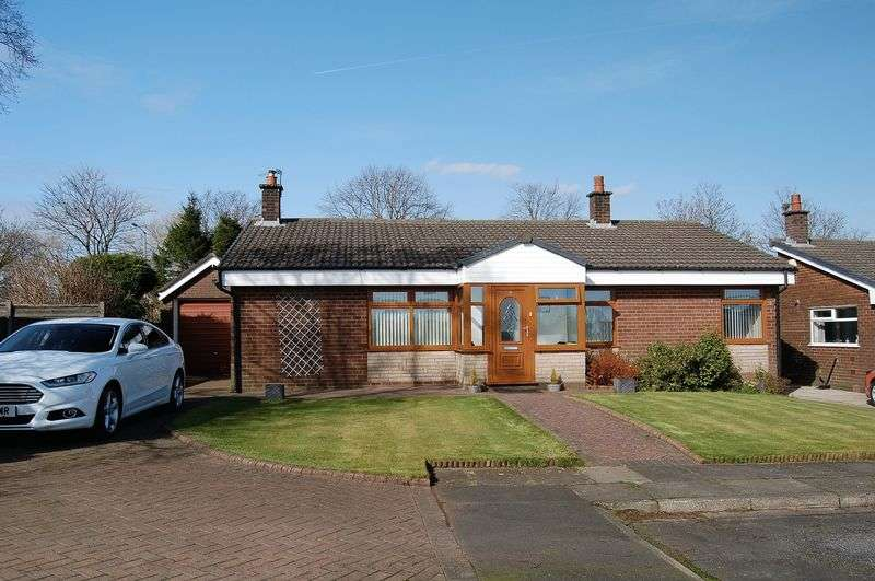3 Bedrooms Detached Bungalow for sale in Tarleton Close, Bury - Large Detached Bungalow