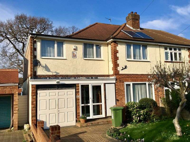 5 Bedrooms Detached House for sale in The Drive, Bexley