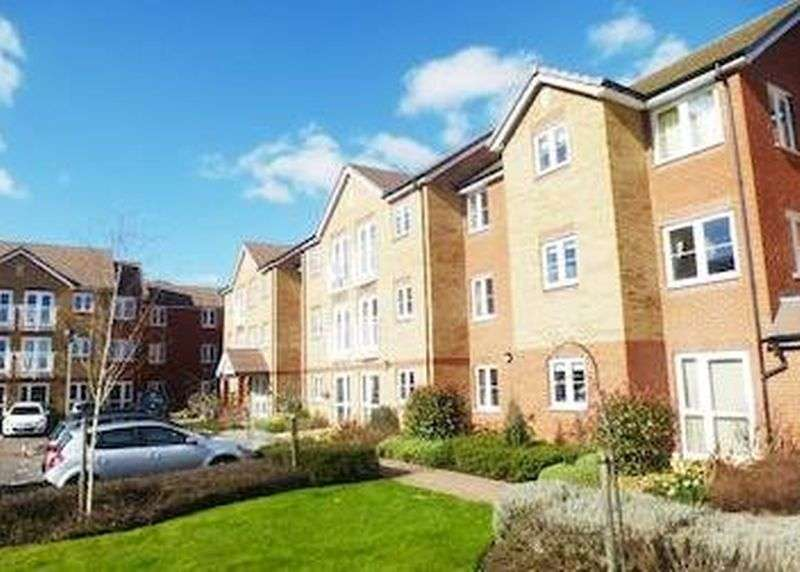 1 Bedroom Flat for sale in Goodes Court, Royston :NO CHAIN one bed first floor Assisted Living retirement apartment