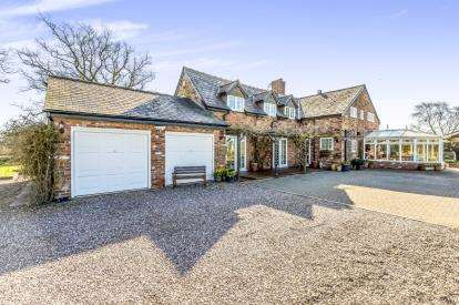 3 Bedrooms Detached House for sale in Combermere, Whitchurch, Cheshire