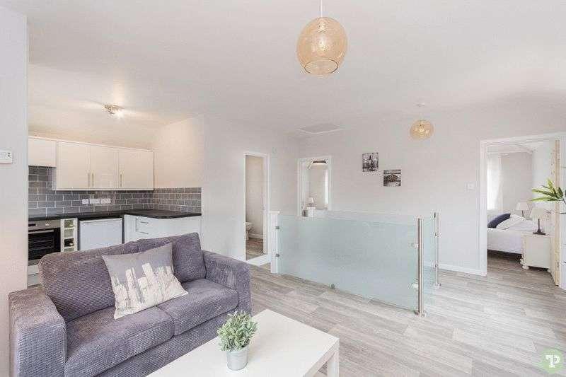 2 Bedrooms Flat for sale in Kennett Road, Headington