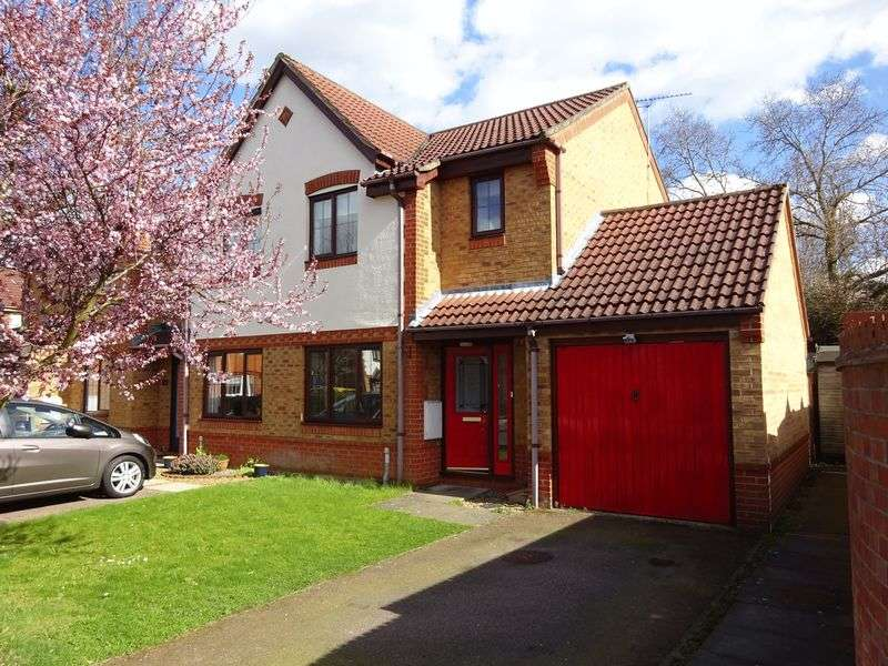 2 Bedrooms Semi Detached House for sale in Grace Edwards Close, Drayton, Norwich
