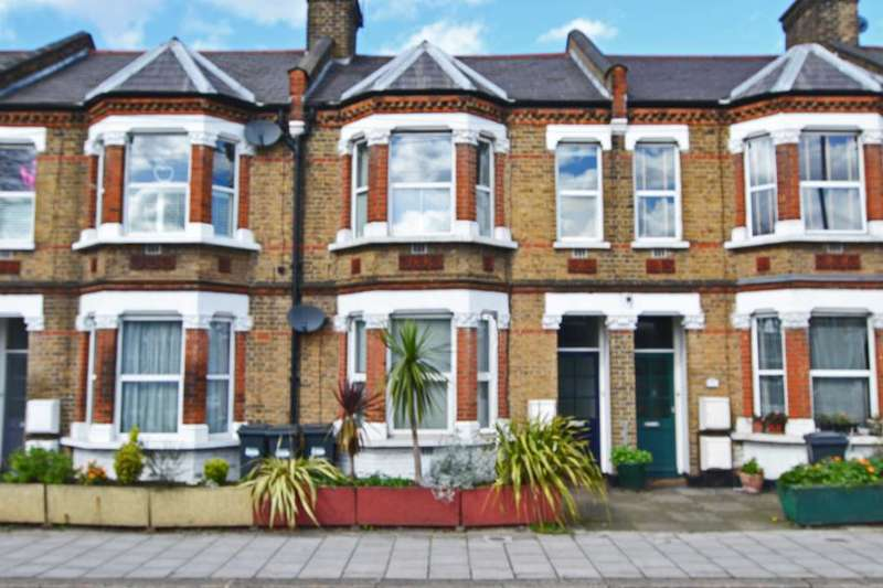 1 Bedroom Apartment Flat for sale in Dorchester Grove, Chiswick W4