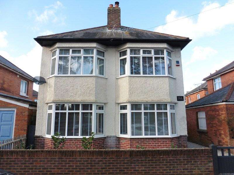 3 Bedrooms Detached House for sale in Victoria Park Road, Victoria Park, Bournemouth