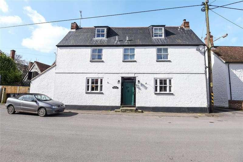 3 Bedrooms House for sale in Nags Head, High Street, Urchfont, Devizes