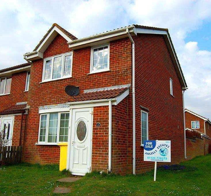 3 Bedrooms Terraced House for sale in Northcote Lane, Peacehaven BN10