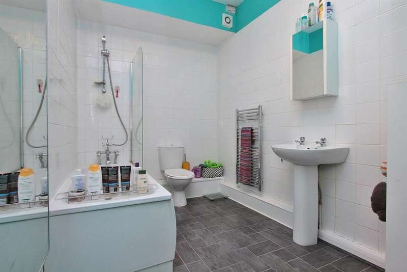 2 Bedrooms Flat for sale in Islingword Road