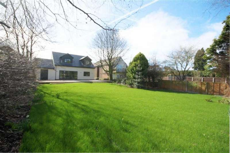 4 Bedrooms Detached House for sale in Moss Lane, Windle, St Helens, WA11