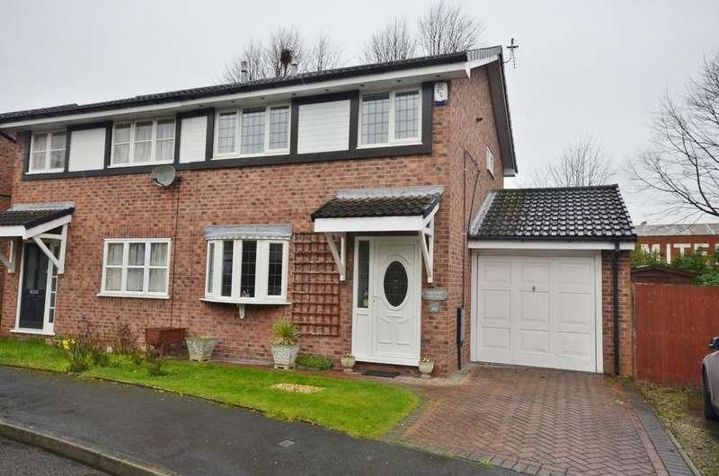 3 Bedrooms Semi Detached House for sale in Waveney Drive, Altrincham