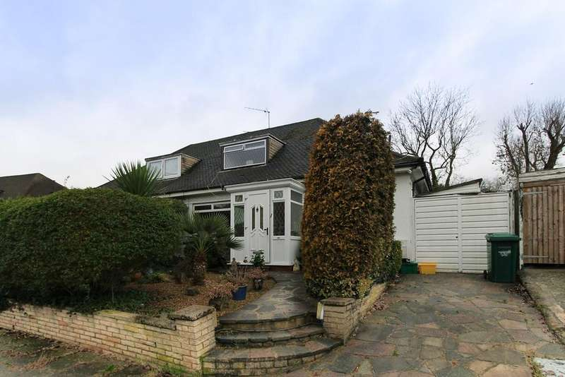 2 Bedrooms Semi Detached Bungalow for sale in The Grove, Edgware, HA8