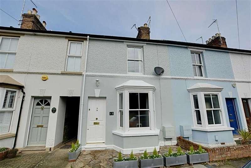 3 Bedrooms Terraced House for sale in Park Road, Hertford, Herts, SG13