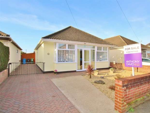2 Bedrooms Detached Bungalow for sale in Rosemary Road, Parkstone, POOLE, Dorset