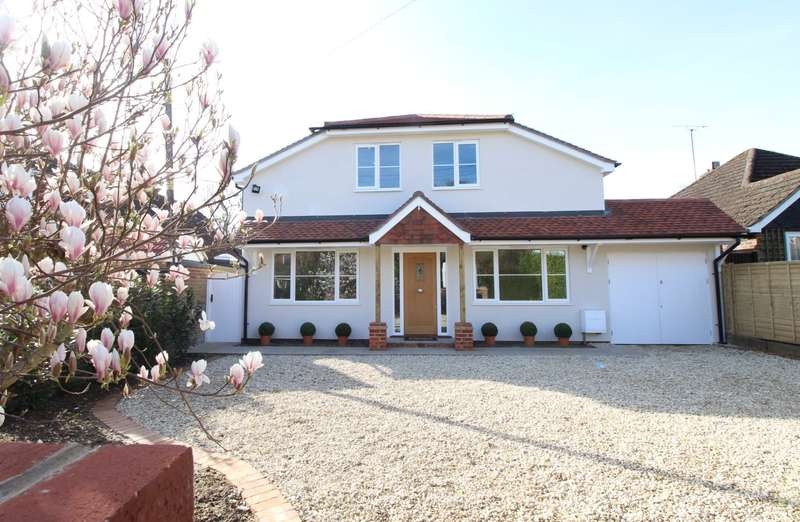 4 Bedrooms Detached House for sale in Tokers Green, Reading, RG4