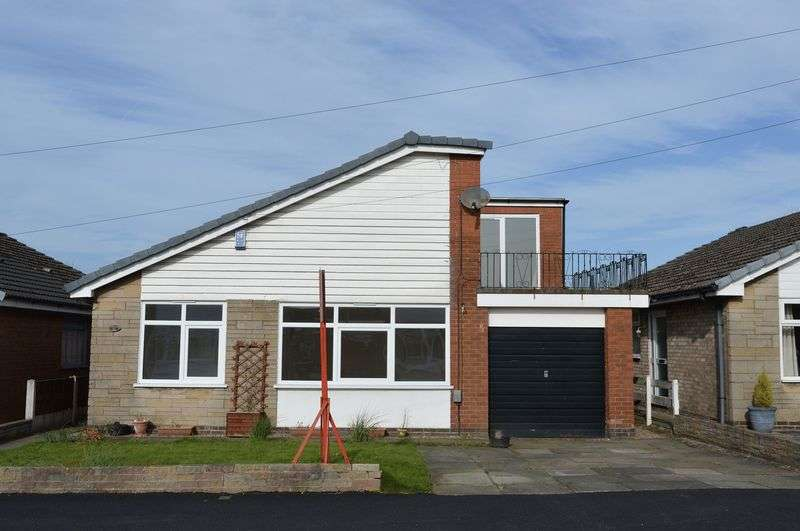 4 Bedrooms Detached House for sale in Rosedale Avenue, Lowton, WA3 2RW