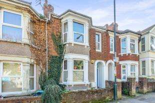 3 Bedrooms Terraced House for sale in Boundary Road, Chatham, Kent, .