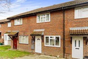 2 Bedrooms Terraced House for sale in Hornbeam Terrace, Winchcombe Road, Carshalton, Surrey